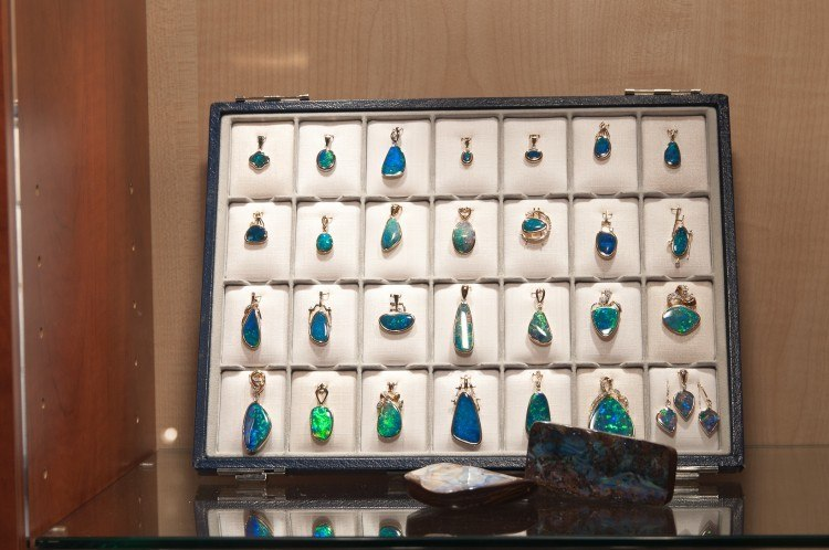 black opals at the munich show