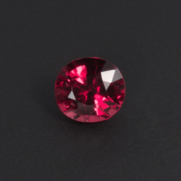 Purplish Red Spinel Oval 0.8ct