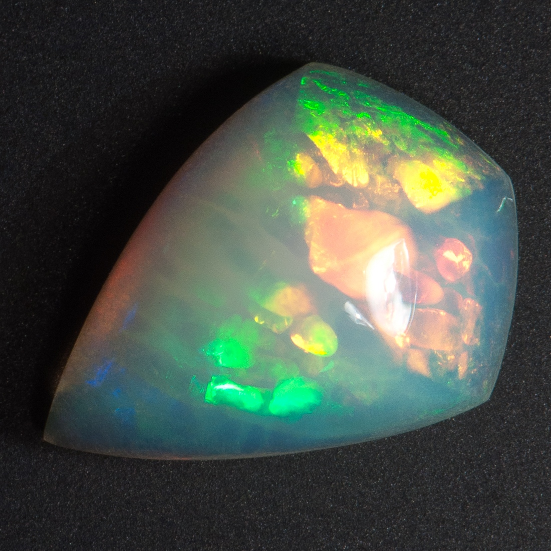 Ethiopian Welo purple crystal opal cabochon with mix pattern