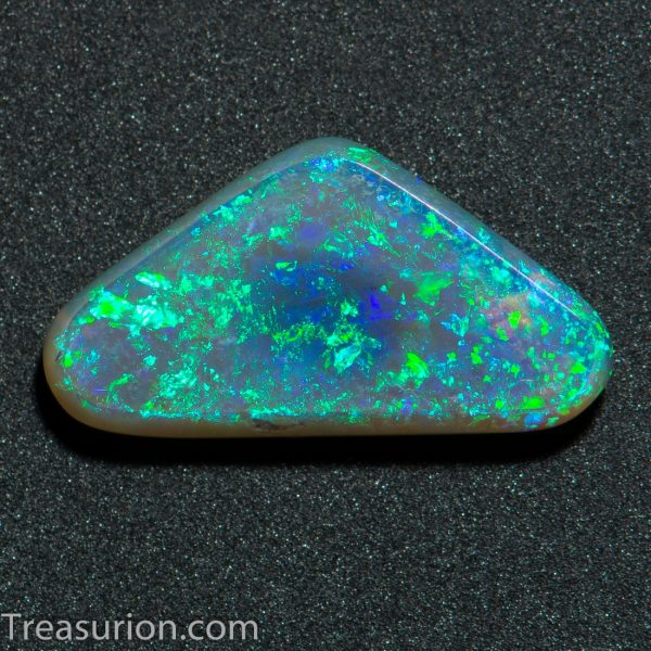 Crystal Opal Triangle 1 ct